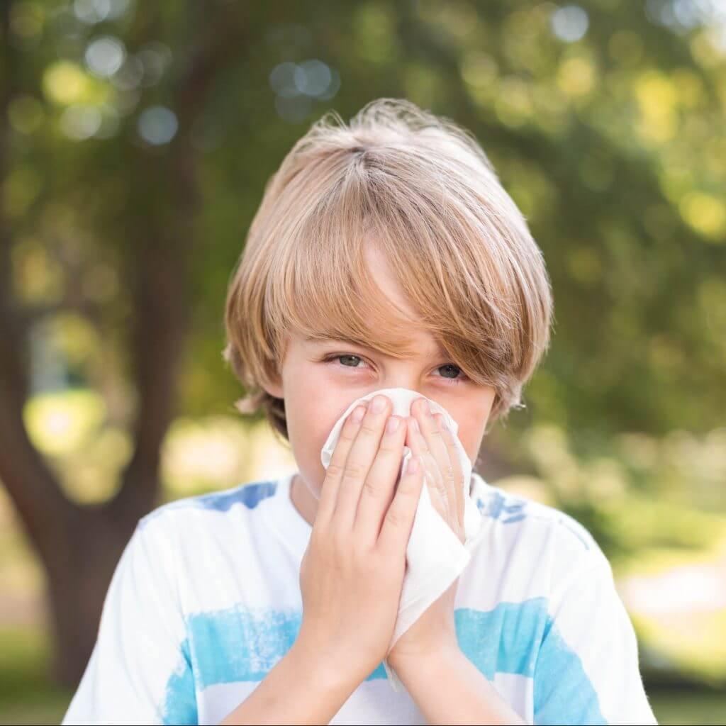 Heuschnupfen tritt häufig bereits im Kindesalter auf